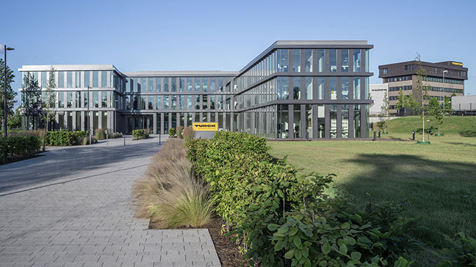 Turck-Zentrale_Muelheim_0817_680x382